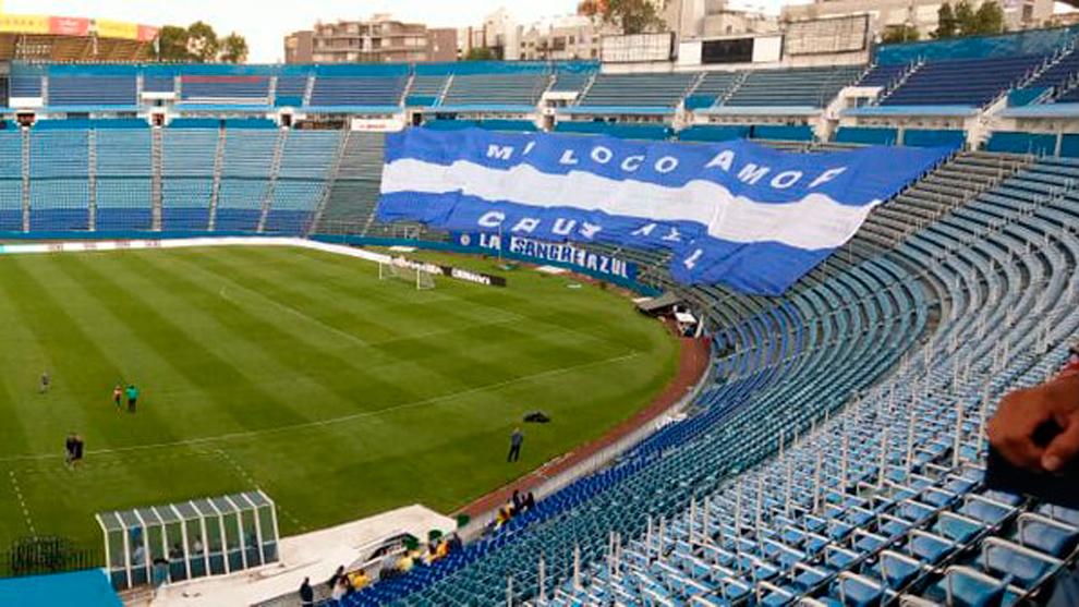 La manta que se podría ver en el Estadio Azul antes del Partido de...