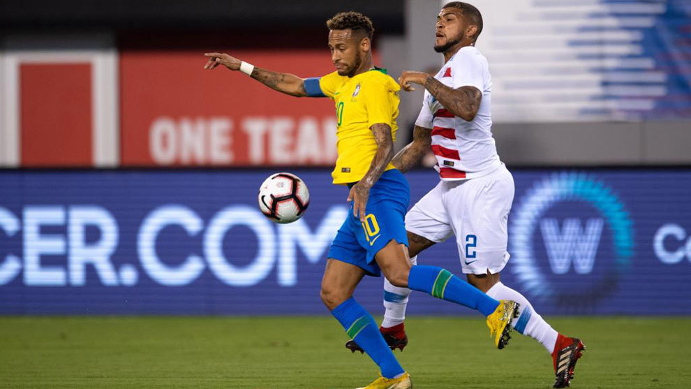 DeAndre Yedlin of USA defends Neymar of Brazil