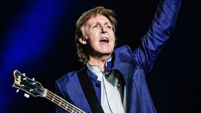 Paul McCartney cimbra internet con concierto en vivo por YouTube