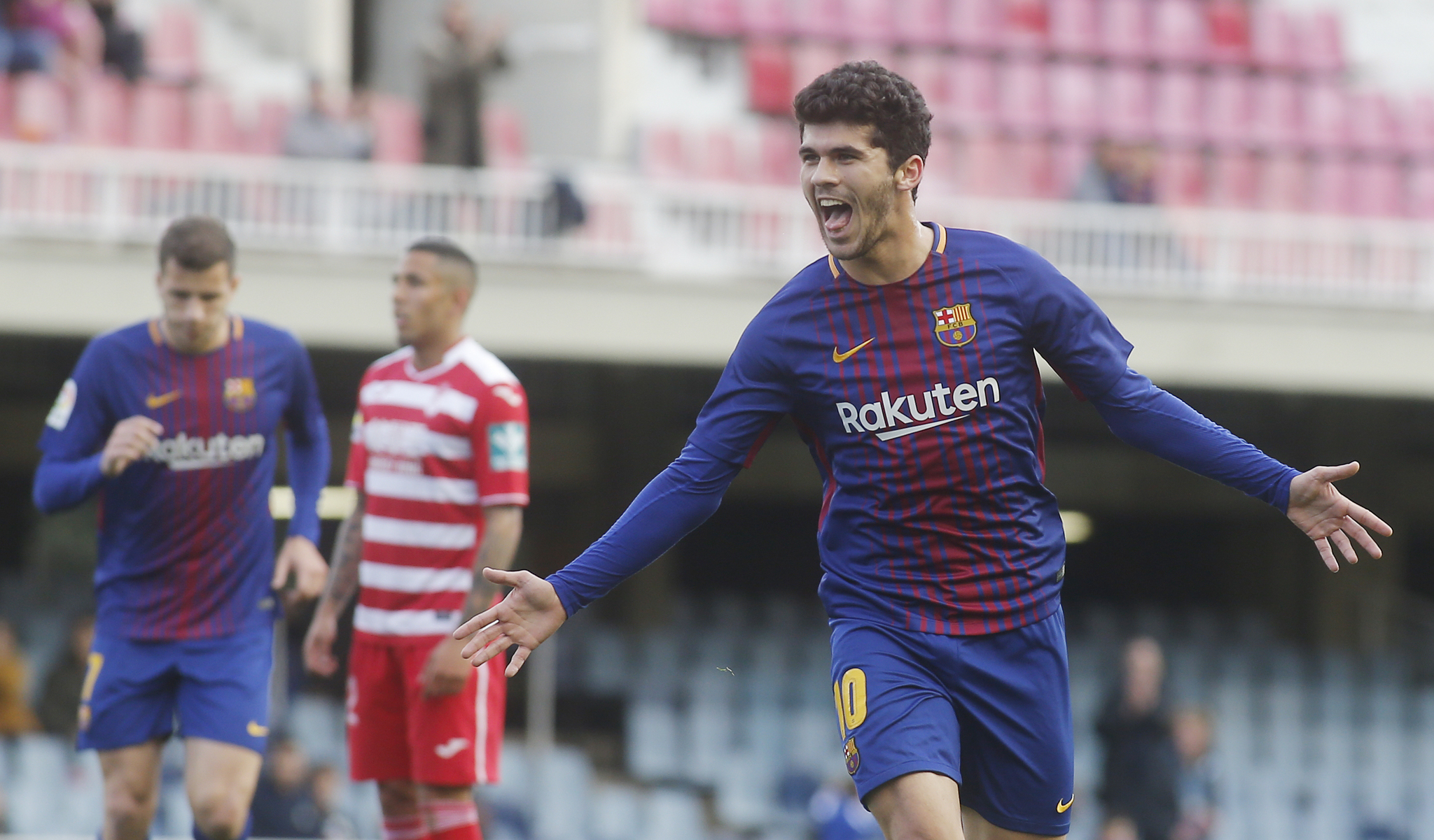Carles Aleñá celebra un gol la pasada temporada.