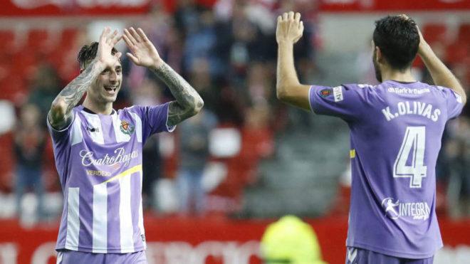 Fernando Calero celebra un gol con Olivas la pasada temporada.