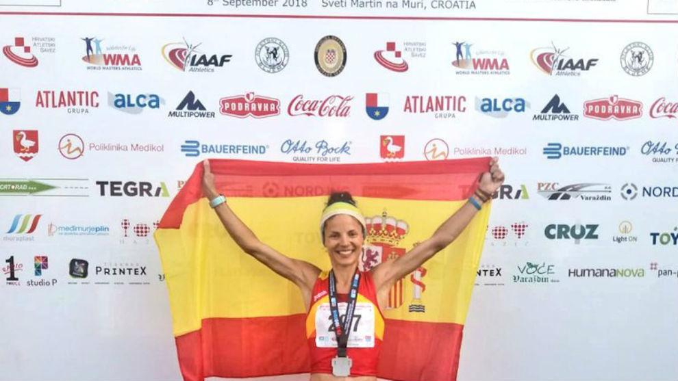 Alicia Pérez, con la bandera española