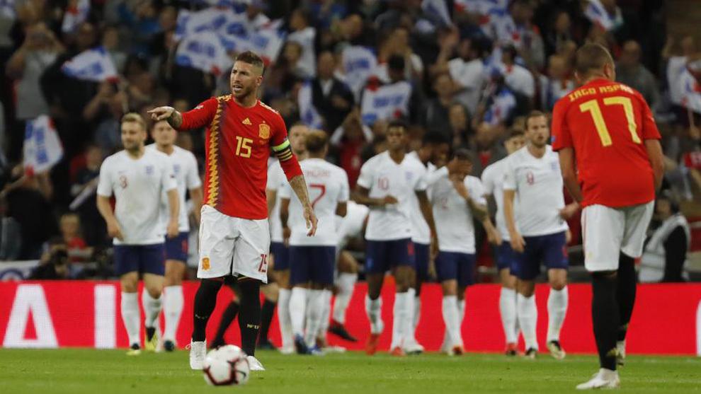 Ramos anima a sus compañeros tras el 1-0