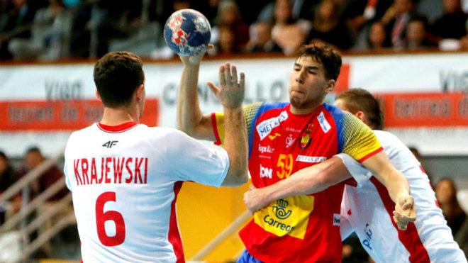 Daniel Dujshebaev, en un partido con la selección española ante...