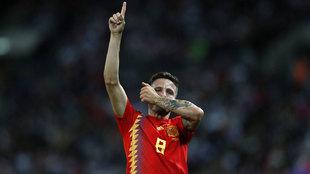 Saúl Ñíguez celebra su gol a Inglaterra en Wembley