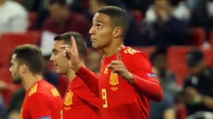 Rodrigo, tras marcar en Wembley y celebrarlo.