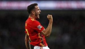 Saúl Ñíguez celebra su tanto ante Inglaterra.