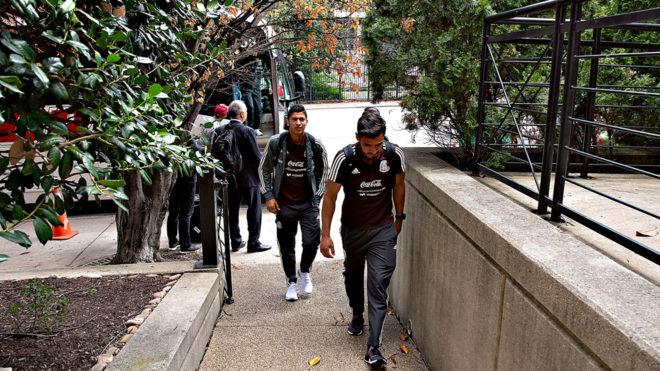Los seleccionados llegan a su hotel de concentración en Nashville