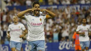 Javi Ros celebra su gol ante el Rayo.