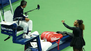 Serena protesta al juez de silla