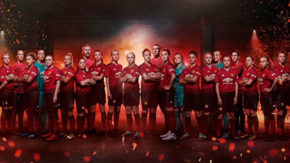 Montaje con las jugadores del Manchester United femenino.