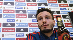 Saúl Ñíguez, en una rueda de prensa con la selección española.