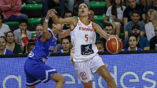 Cristina Ouviña fue la más destaca de España con un doble-doble