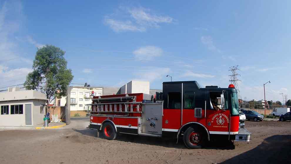 El cuerpo de bomberos entró al Nido para revisar la supuesta fuga de...