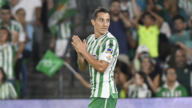 Andrés Guardado, durante el partido contra el Levante.