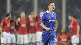 Terry se dispone a lanzar el penalti que le hubiera dado la Champions...