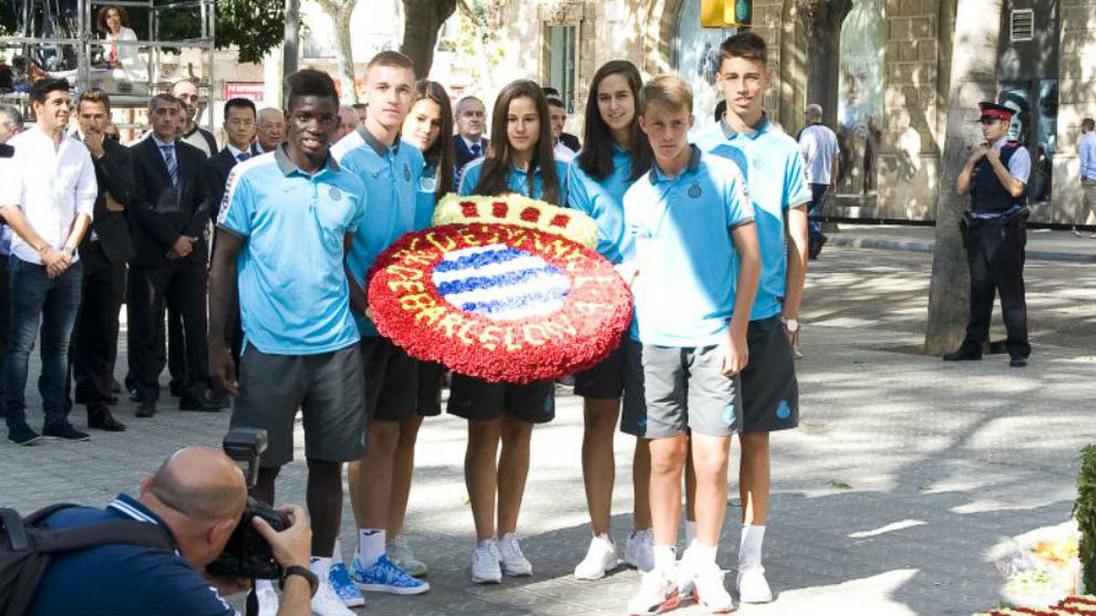 El Espanyol, en la tradicional ofrenda floral el día de la Diada
