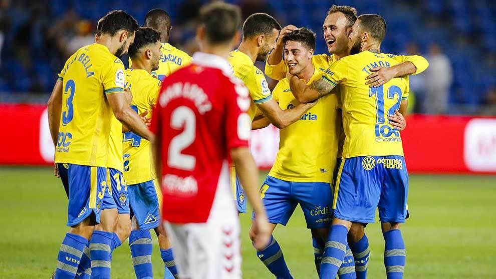 Los jugadores amarillos celebran el gol de Lemos, el cuarto al Nástic