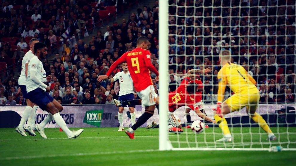 España se llevó el triunfo ante Inglaterra en la primera jornada de...