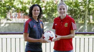 Claudia Ponso y Anita Luján, en el hotel de concentración de la...