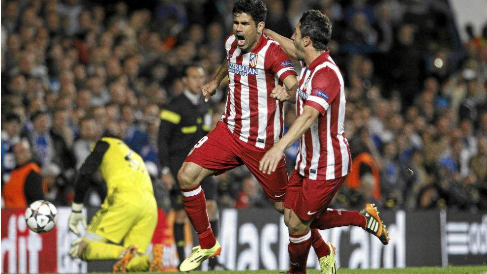 Diego Costa y Koke celebran un gol al Chelsea en las semifinales de la...