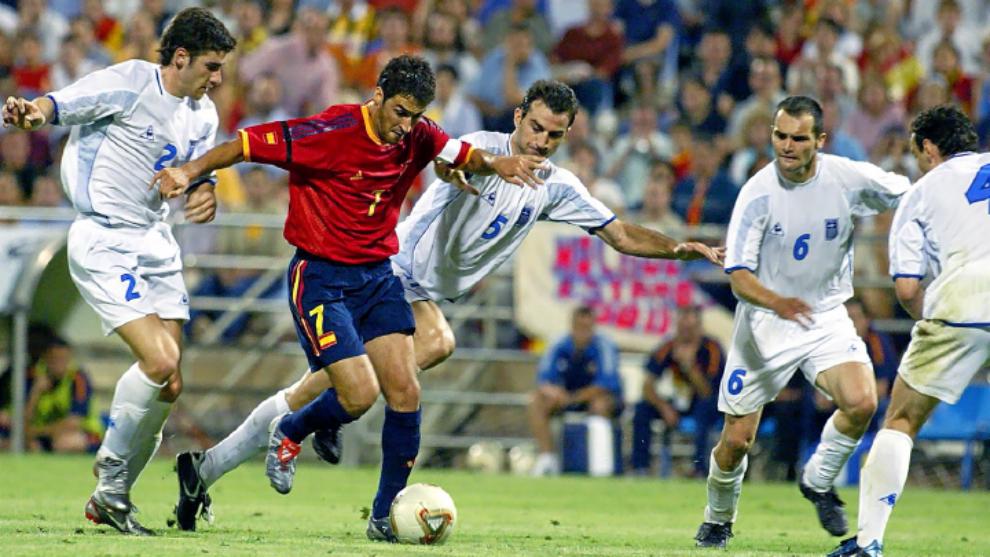 Raúl, en el España-Grecia de 2003 que supuso la última derrota...