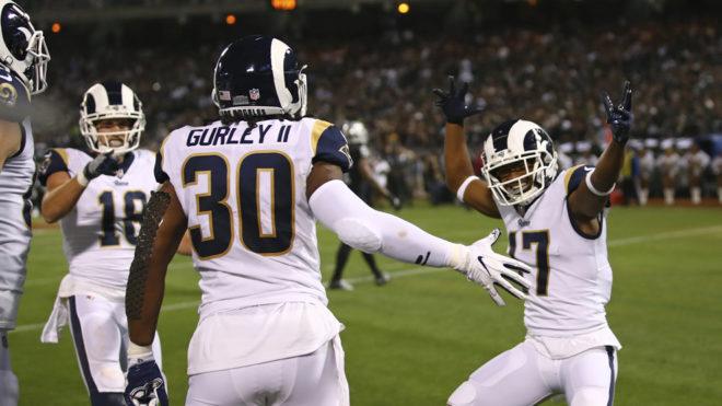 Los Rams triunfaron en Oakland.