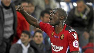Webó celebra un gol con el Mallorca frente al Espanyol.
