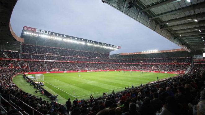 Panorámica del estadio de El Molinón.