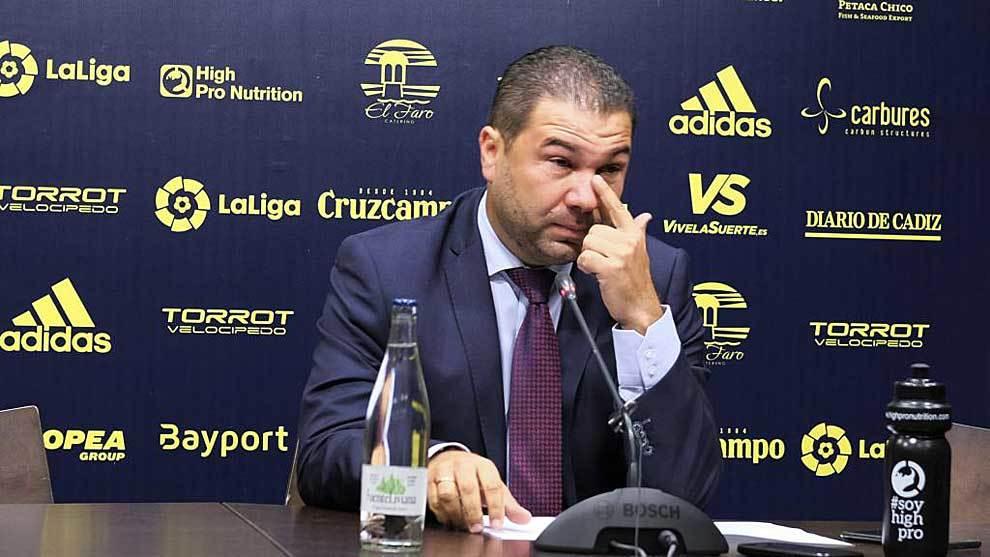 Juan Carlos Cordero, emocionado, durante la rueda de prensa de...