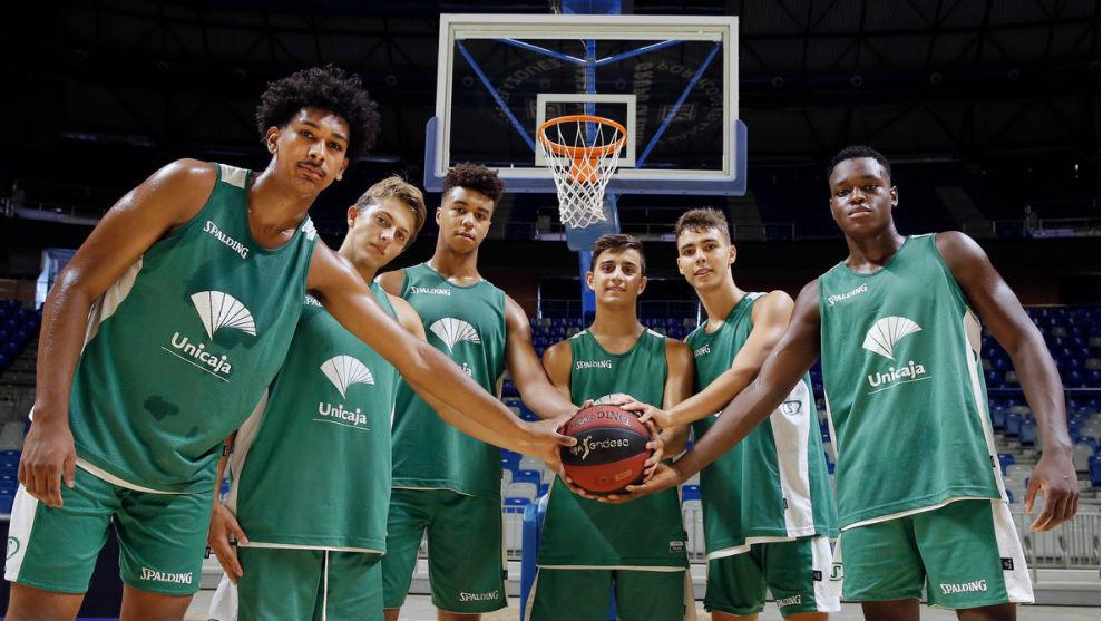 Alessandro Scariolo, segundo por la izquierda, y los otros cinco...