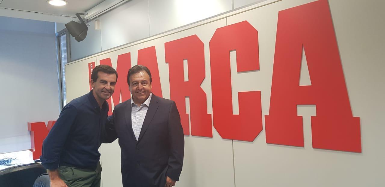 Juan Castro, periodista de MARCA con Antonio Moreno, director del...