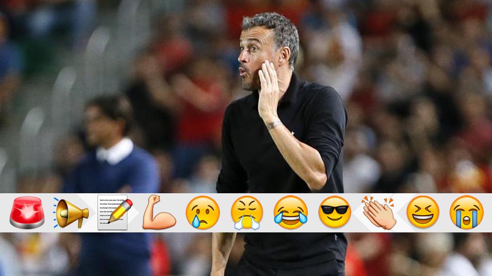 Luis Enrique se dirige a sus jugadores en el duelo contra Croacia