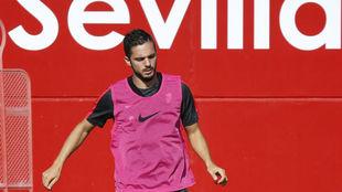 Pablo Sarabia, en un entrenamiento del Sevilla.