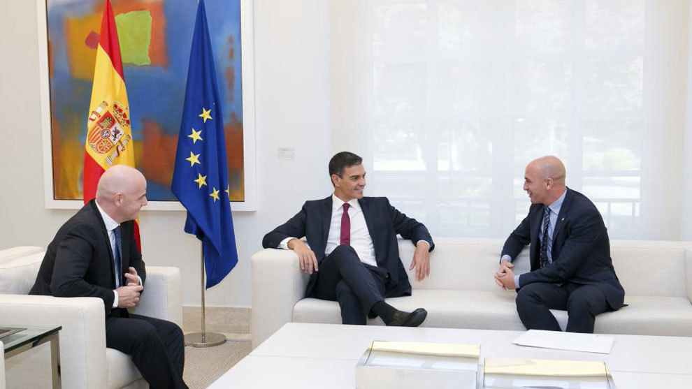 Pedro Sanchez meeting with Gianni Infantino and Spanish Football...