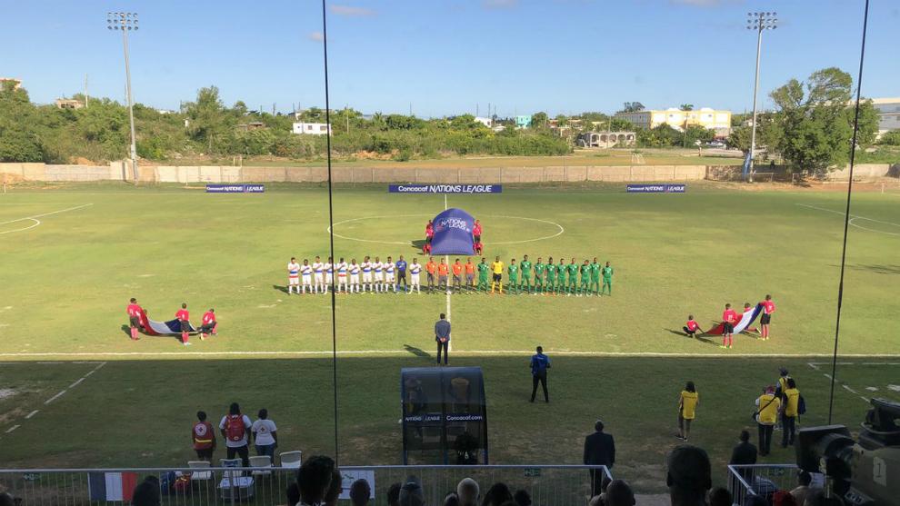Momentos previos al inicio del partido entre Saint Martin y Guadalupe