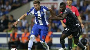 Héctor Herrera, en un lance del juego ante el Moreirense