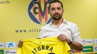 Iturra (34), en su presentación como jugador del Villarreal.