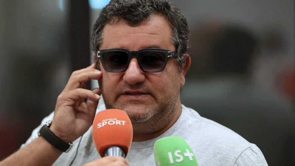 Mino Raiola, uno de los representantes de futbolistas más...