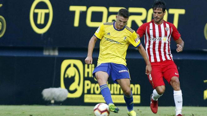 Vallejo, en un partido contra el Almería.