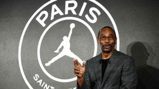 Larry Miller, presidente de la marca Jordan este jueves en París.