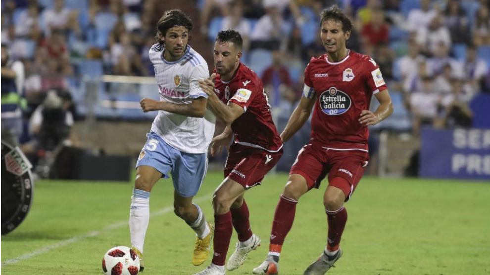 Oliver Buff maneja el balón ante el Deportivo.