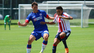 Santiago Giménez en duelo del Cruz Azul Sub 20