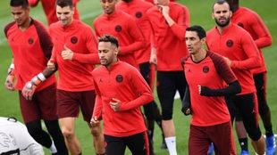 Neymar y Di María, entrenando.