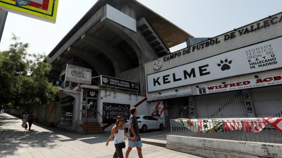 La grada de la Avenida de la Albufera en el Estadio de Vallecas