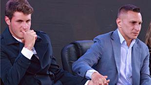Santiago junto a su padre, Christian Giménez.