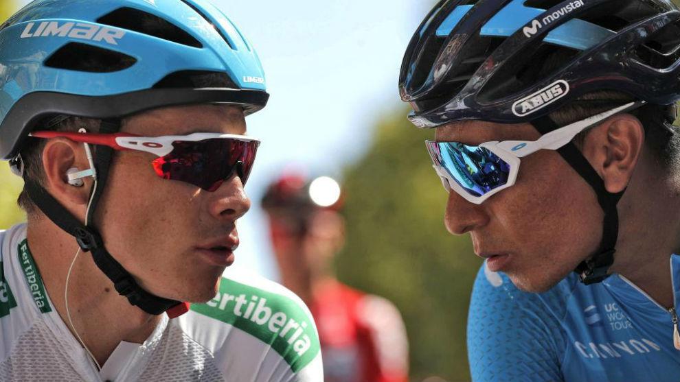 Nairo Quintana (derecha) charlando con Miguel Ángel López.