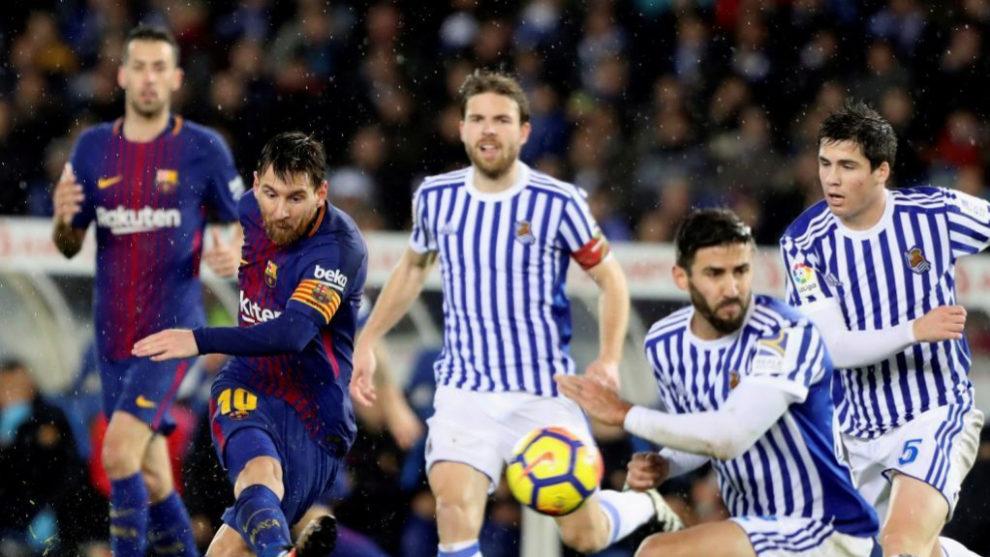 Encuentro entre la Real Sociedad y el Barcelona en Anoeta el curso...