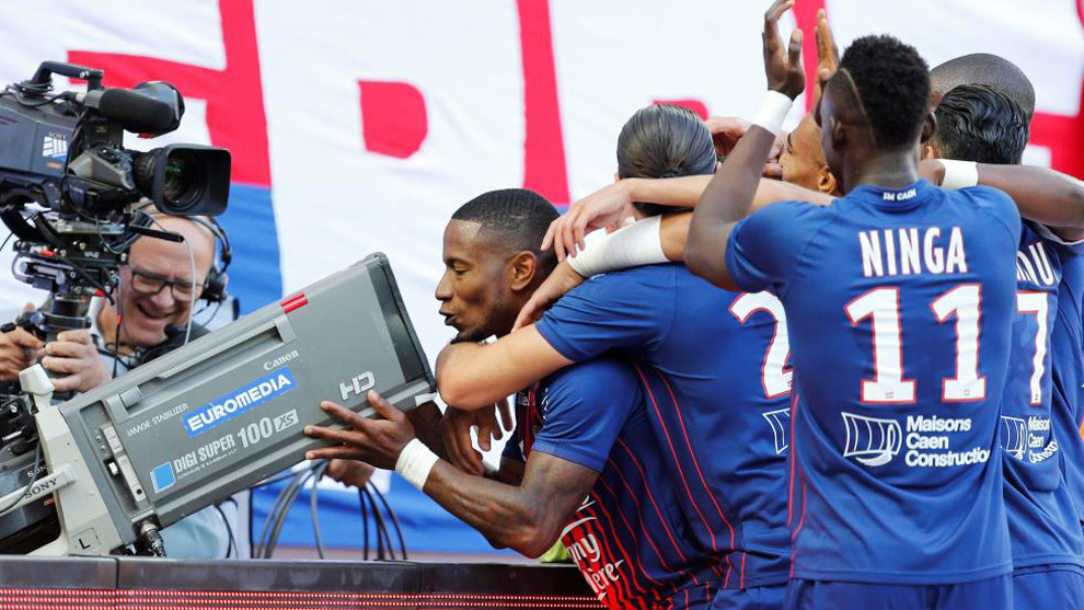 Beauvue celebra su gol