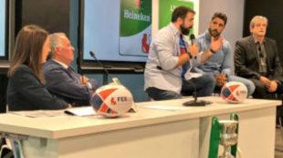 Jaime Nava, el segundo por la derecha, durante la presentación de la...